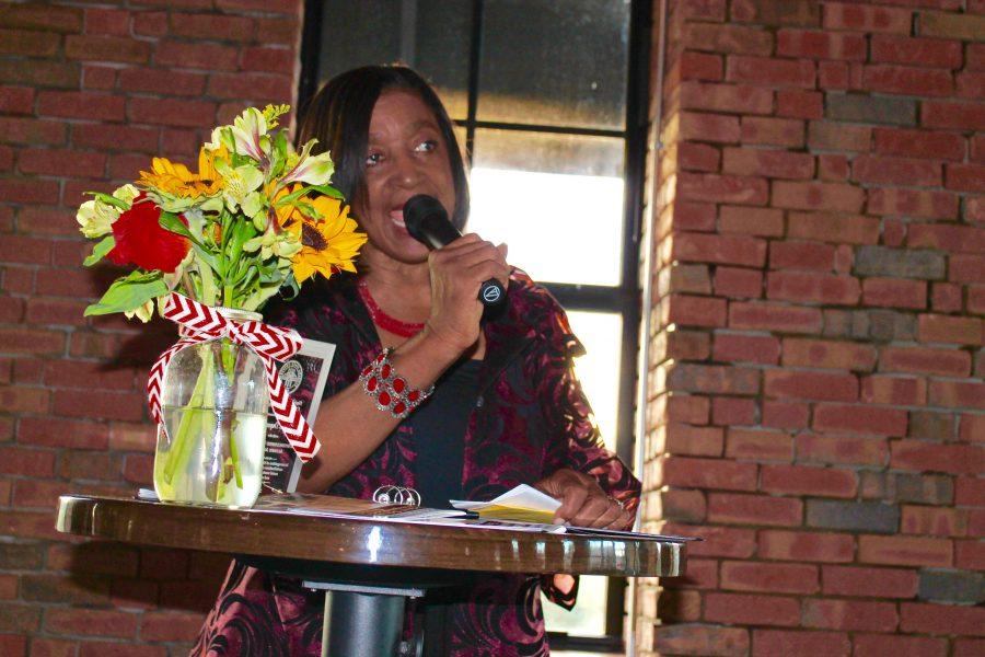Jacquelyn Dupont-Walker provides remarks after receiving award.