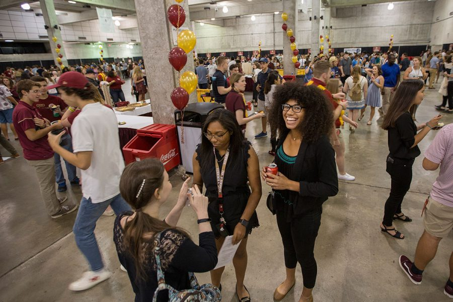 Students at the 2017 President's Welcome Aug. 27, 2017. (FSU Photography Services)