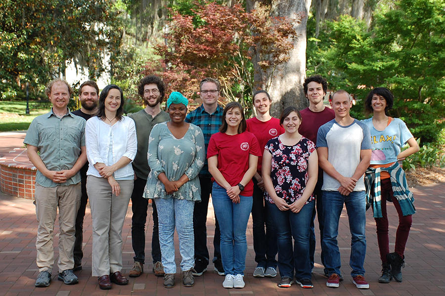 The Center for Anchored Phylogenomics lab group. Under the guidance of the Lemmons, student employees from the center have gone on to attend top-choice medical, veterinary and graduate programs.