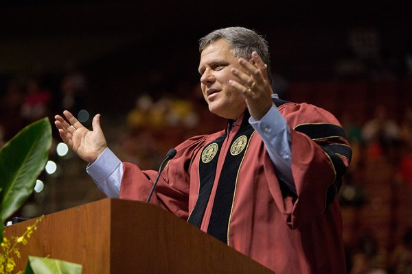FSU Trustee Jorge Gonzalez addresses summer graduates at commencement Aug. 3, 2018. (FSU Photography Services)