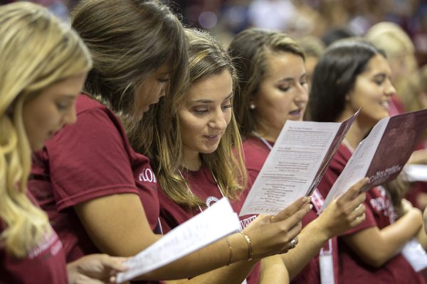 Students recite the Seminole Creed during FSU New Student Convocation Sunday, Aug. 26, 2018. (FSU Photography Services)