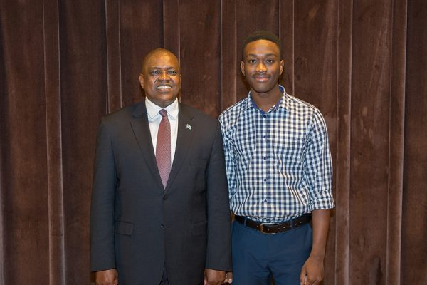 President Masisi and FSU graduate student and Botswana native Moletedi Ntseme meet at a student town hall event Thursday, Sept. 20, 2018. (FSU Photography Services)