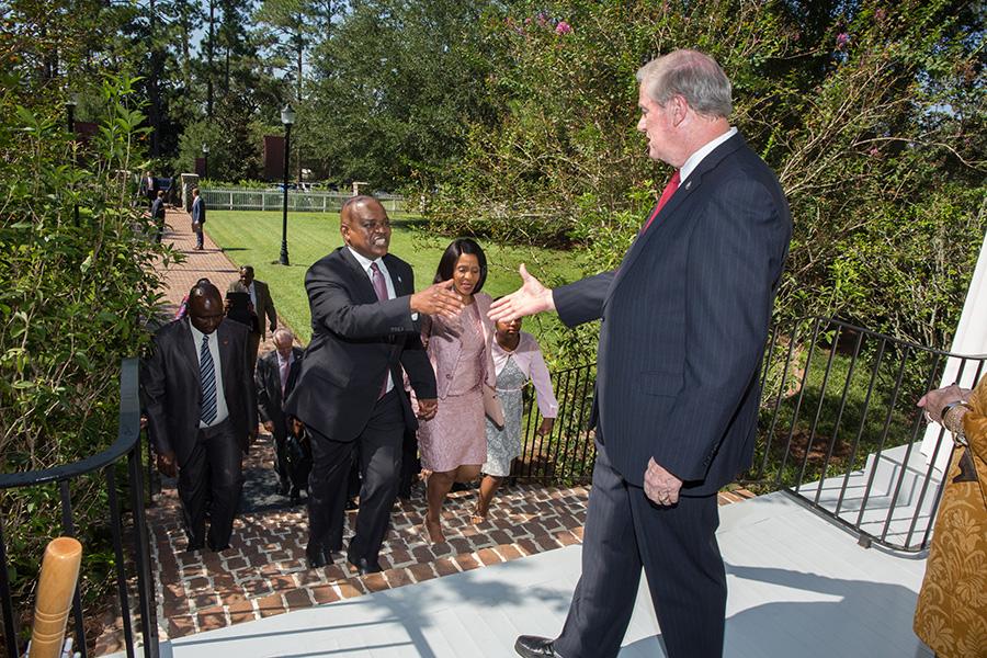 President John Thrasher greets President Masisi and the Botswana delegation outside the President's House Thursday, Sept. 20, 2018. (FSU Photography Services)