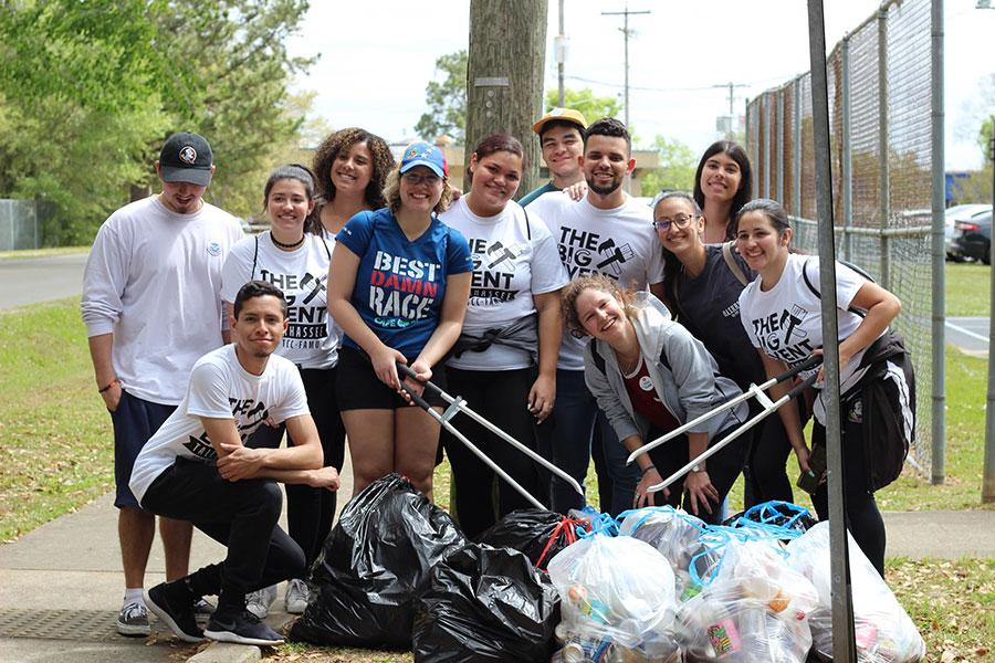 Florida State University students spent their Saturday volunteering during The Big Event 2019. (Valeria Rivadeneira)