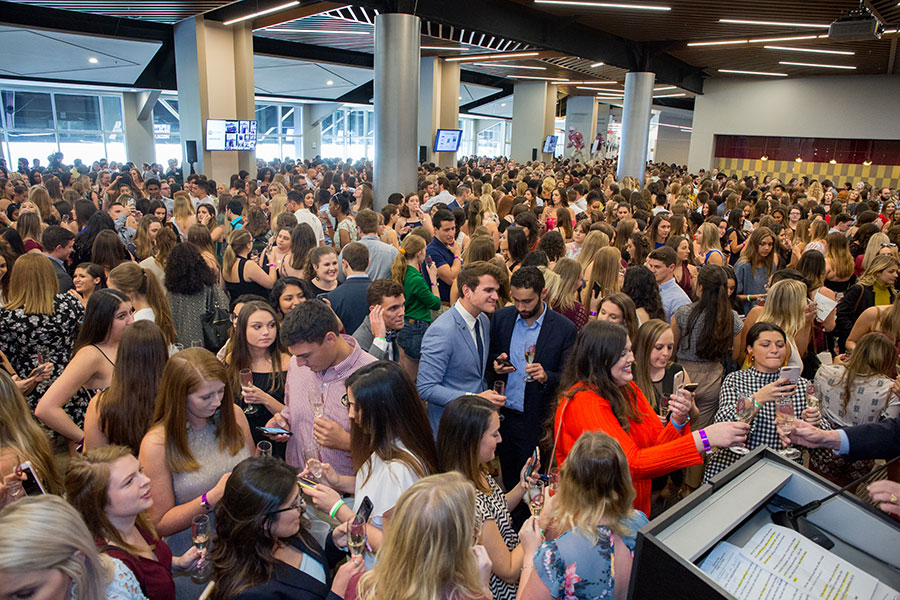 The Dunlap Champions Club was packed with over 2,000 graduating seniors for the 2019 President's Senior Toast. (FSU Photography Services)