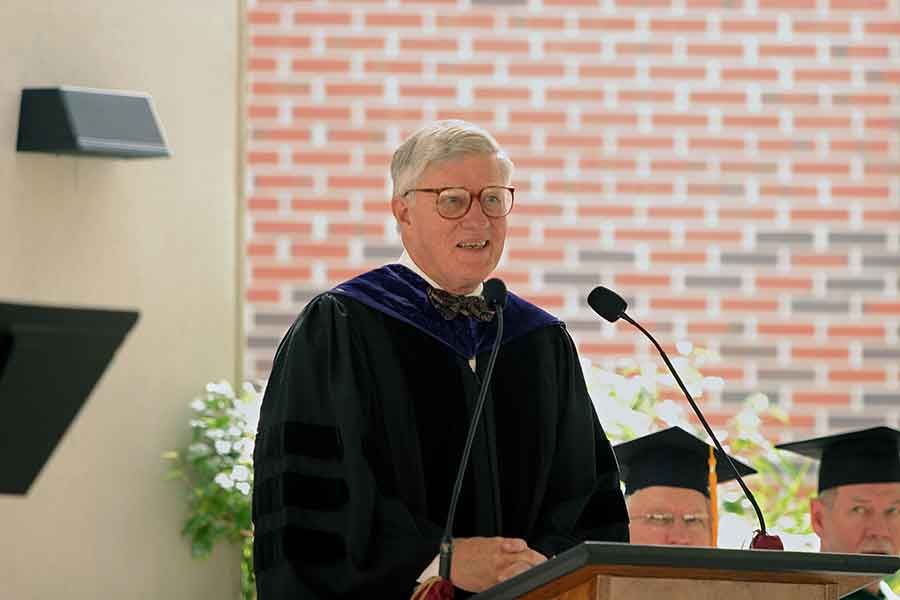 President Emeritus Sandy D'Alemberte speaks during the College of Medicine's inaugural commencement ceremony in 2005. (FSU Photography Services)
