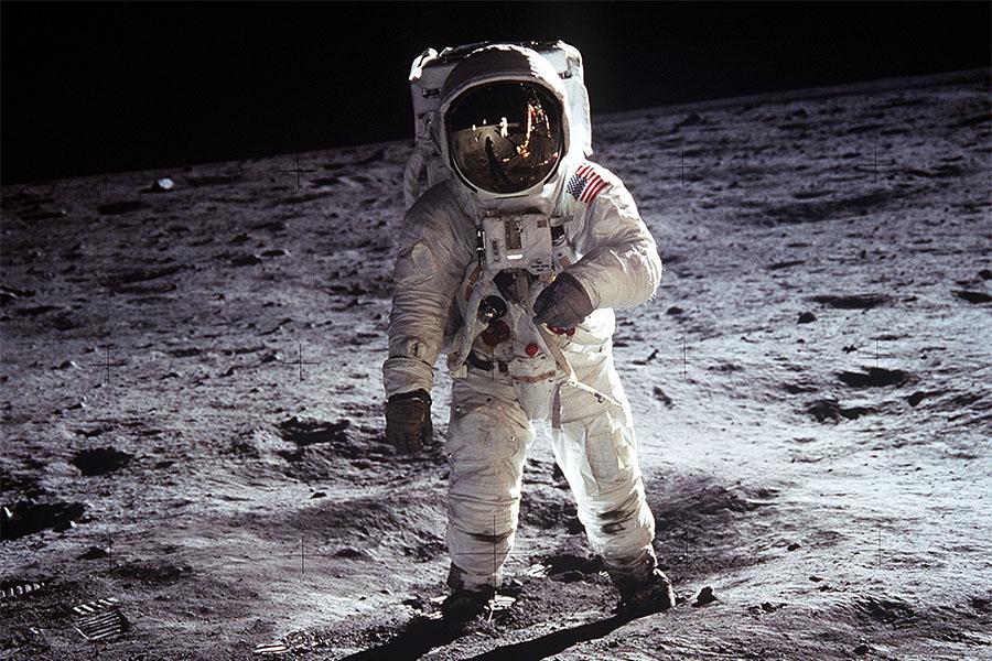 Billedresultat for moon landing