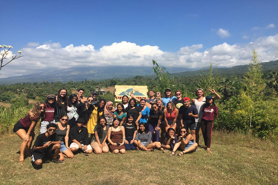 FSU and Balinese Undiksha students pose for a group photo in Bali, Indonesia. (Charlie Gardner)