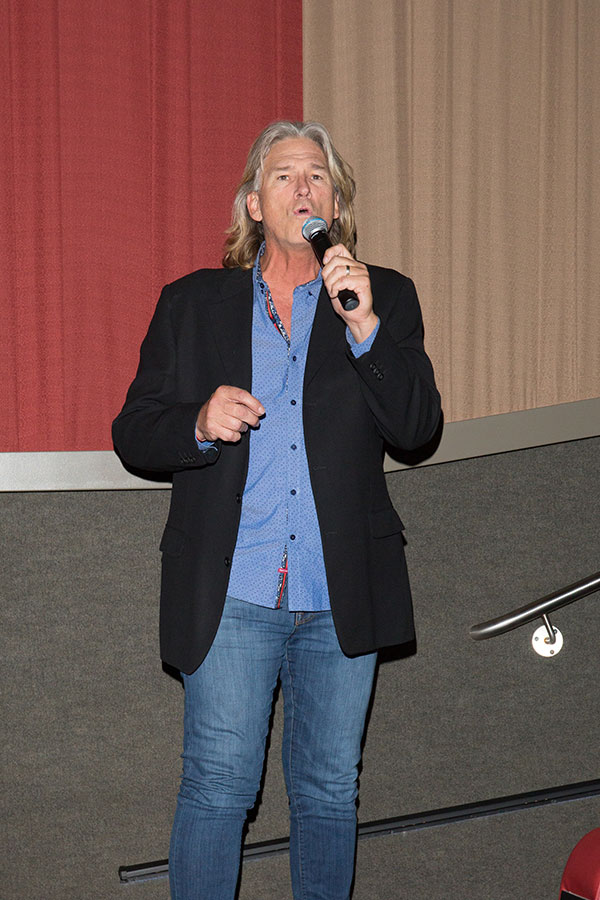 Billy Dean sings the National Anthem. (FSU Photography Services)