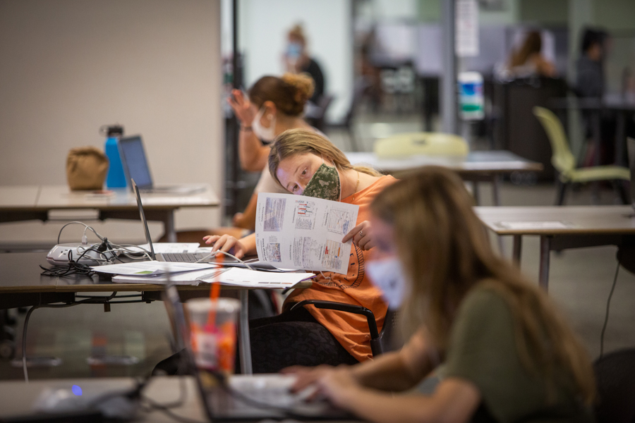 Students using Strozier Library