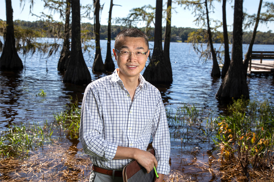 Gang Chen, a professor of Civil and Environmental Engineering at the FAMU-FSU College of Engineering.
