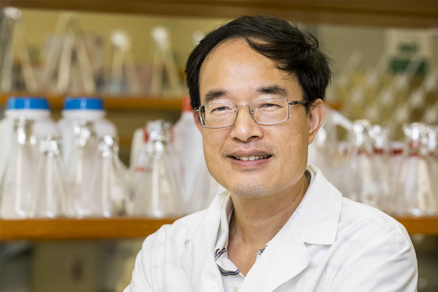 Zucai Suo, Eminent Professor and Dorian and John Blackmon Chair in Biomedical Science, Florida State University Department of Biomedical Sciences.