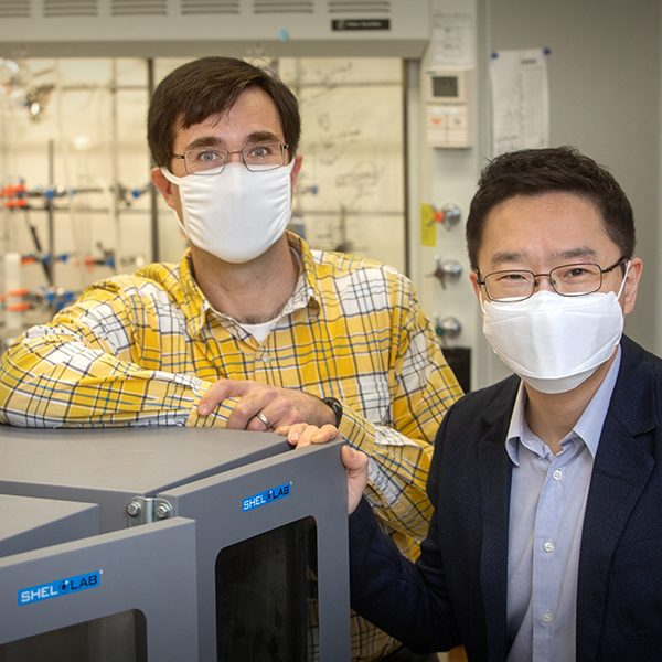 From left, FAMU-FSU College of Engineering associate professor Daniel Hallinan Jr. and FAMU-FSU College of Engineering assistant professor Hoyong Chung. Their research developed a way to use lignin, a compound in the cell walls of plants that makes them rigid, in the electrolytes of batteries. (FSU Photography Services)