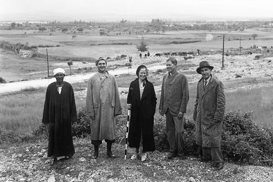 1938, the American and French archeologists in Antakya, Turkey