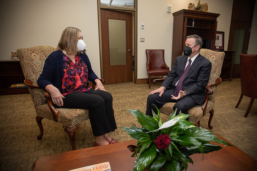 President Richard McCullough meets with Provost Sally McRorie during his first day as FSU's 16th president. (FSU Photography Services)